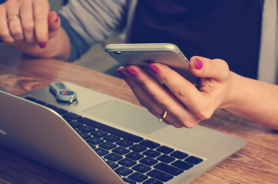 Услуги по недвижимости можно получить как в Правительстве для граждан, так и онлайн
