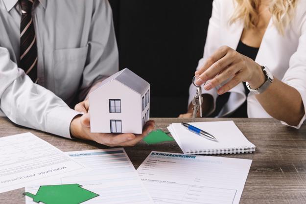 Реализация кредитного жилья акиматов производится сначала среди очередников